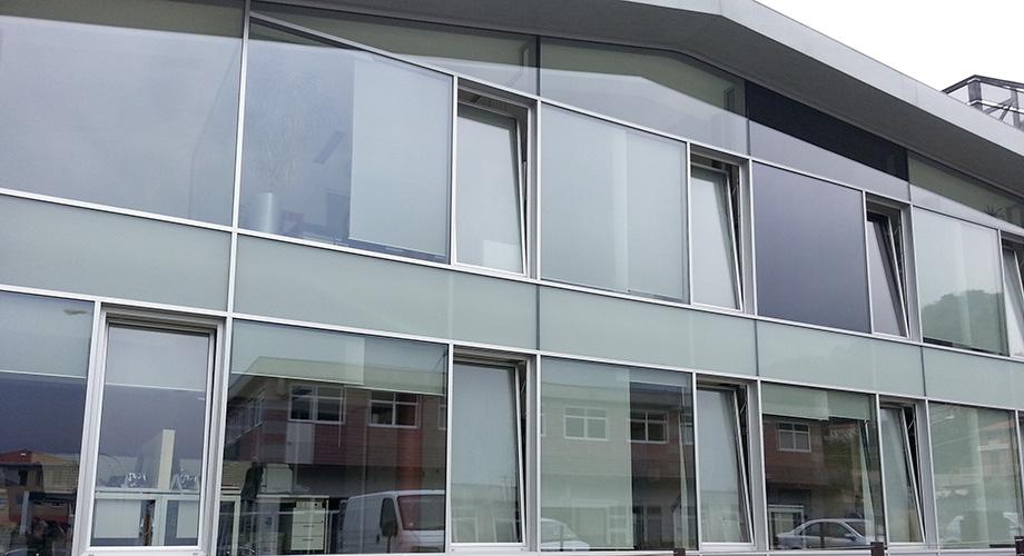 Pulizia vetrate e vetri stopsol a vicenza king manutenzione superfici - Pulizia vetri finestre ...