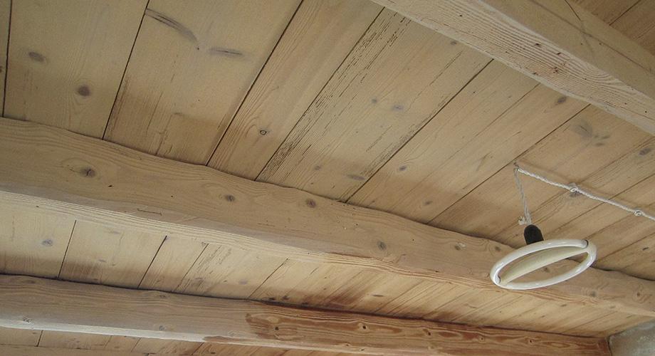Trattamento travi in legno interne colori per dipingere for Planimetrie di pontili e travi